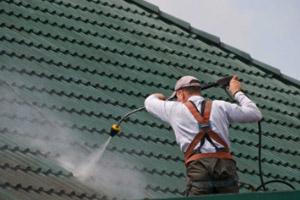 догляд потрібен для даху з металлочерепіци