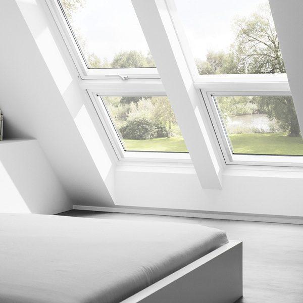Чердачное окно Roto R65WH WD 80×124 (белая сосна)