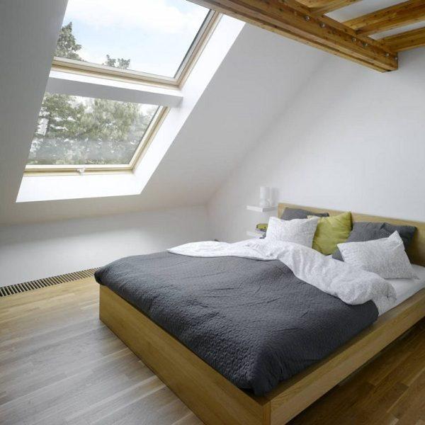 Мансардное окно Roto R65WH WD 100×166 (белая сосна)
