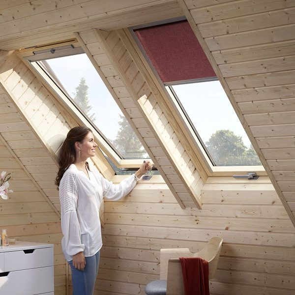 Мансардное окно Roto R45WH 74×140 (белая сосна)
