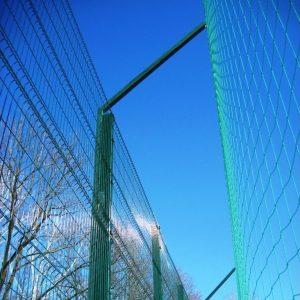Монтаж секционного забора высотой от 2,4 м до 4 м c бетонированием столбов и наконечником