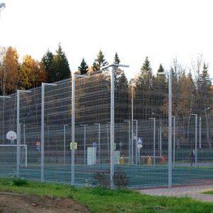 Строительство секционного ограждения высотой от 4 м до 6 м (анкеровка) с наконечником и сеткой