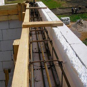 Строительство монолитного ж/б пояса первого этажа