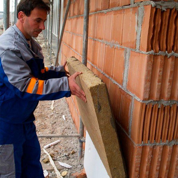 Работы по утеплению фасада минеральной ватой 100 мм (декор- структурная краска)