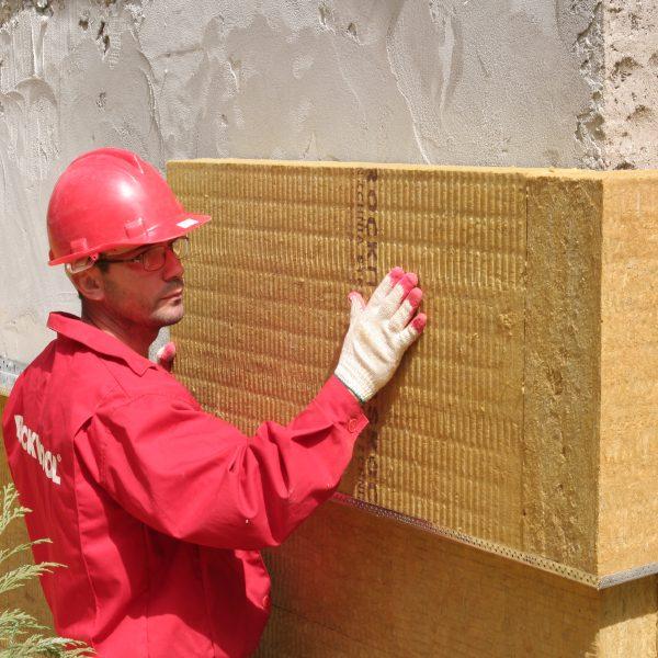 Работы по утеплению фасада минеральной ватой 50 мм (декор: минеральная штукатурка+ краска)